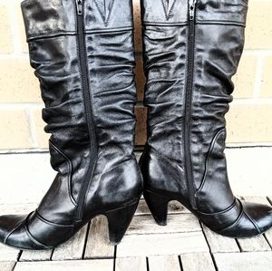 Browns Bravo Black Leather Calf Boots, 2 inch heel, Size 8. Lightly lined.